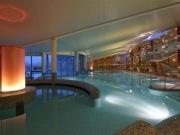 krytý bazén v Laa